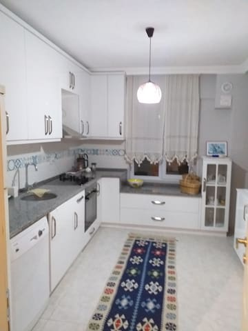 Geniş bir evde  Huzurlu Tatil