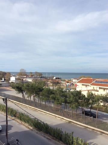 Seaside aparment in Peraia