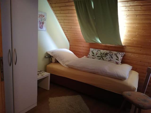 Süßes Einzelzimmer