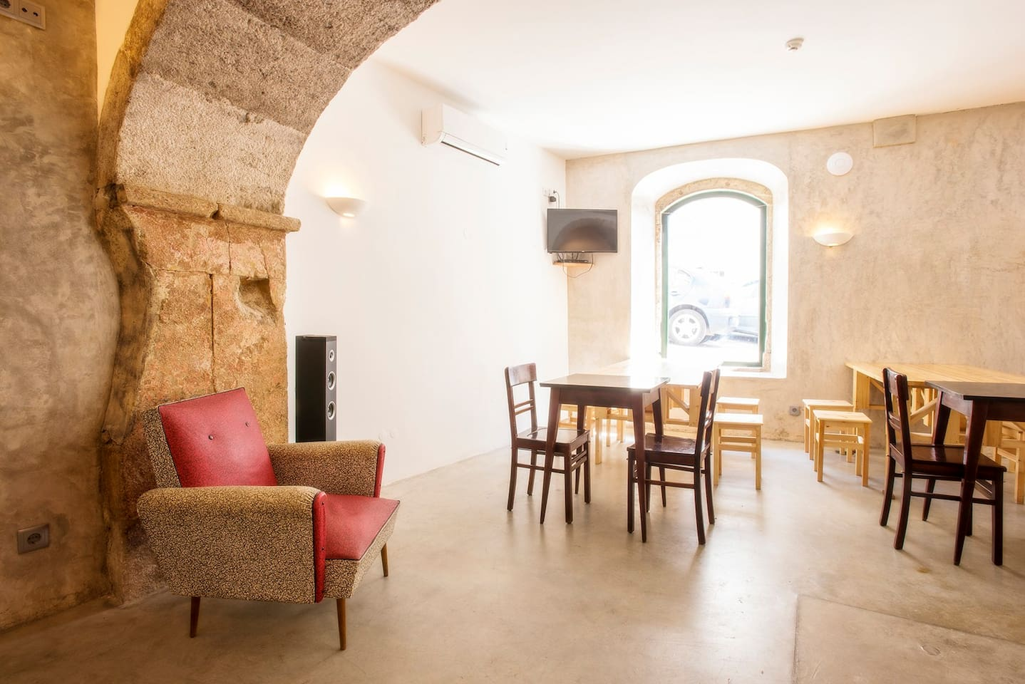 Lounge are of 100 m2 where we organise private events for our guests . Not included in the apartment´s price