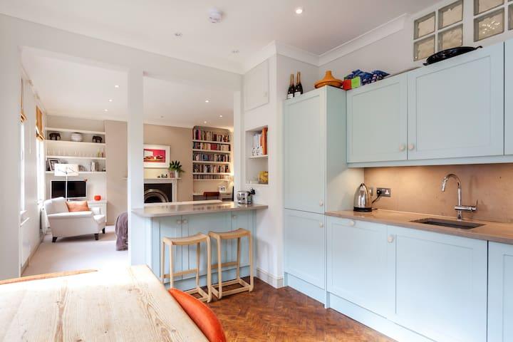 2 bedroom in Neal Street, Covent Garden, London
