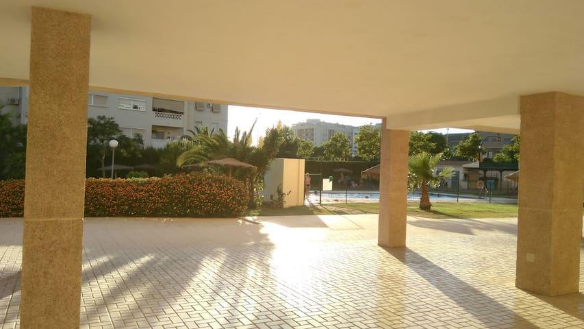 MALAGA CAPITAL (Piso 3 habitaciones+parking). - Málaga - Leilighet