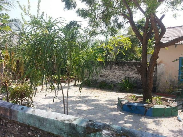 Fithuronu Residence,  H.Dh. Naivaadhoo.