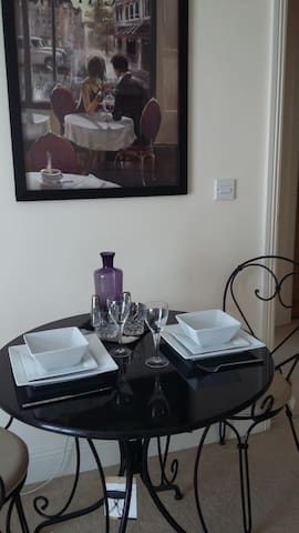 Trendy In Town Apartment - Eastleigh - Apartamento