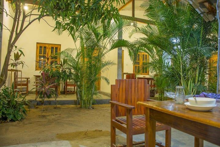 Privet Eagle House , Arugambay, Srilanka