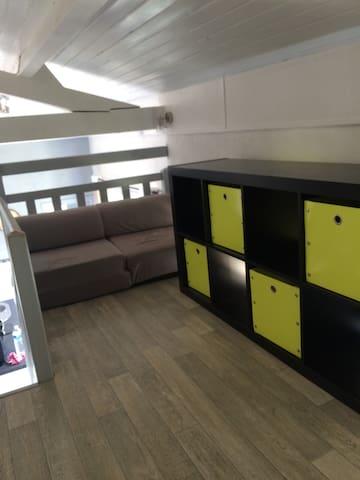 Mezzanine : espace rangements