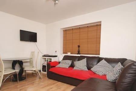 Clean, Safe Flat/Islington (zone 2)