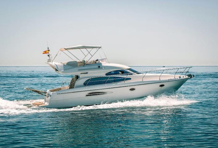Cosy yacht in middle of the Puerto Banus, 1st line - Marbella - Barco