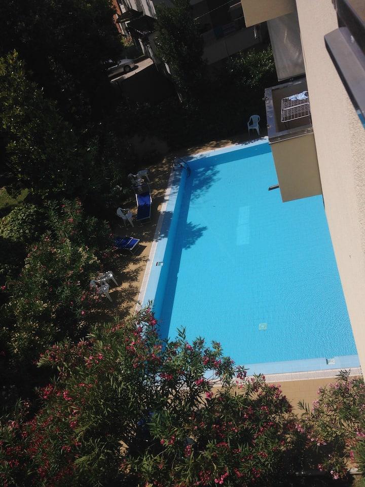 Appartamento Marina Centro frontemare con piscina