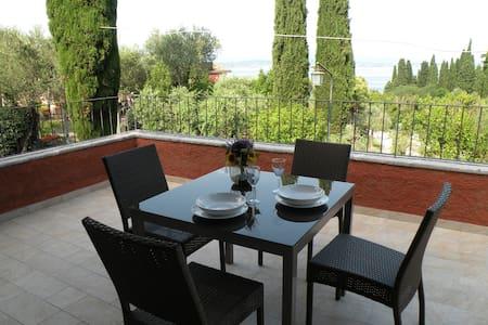 Suite Deluxe Family Villa Paradiso Sirmione Centre - Sirmione - Wohnung