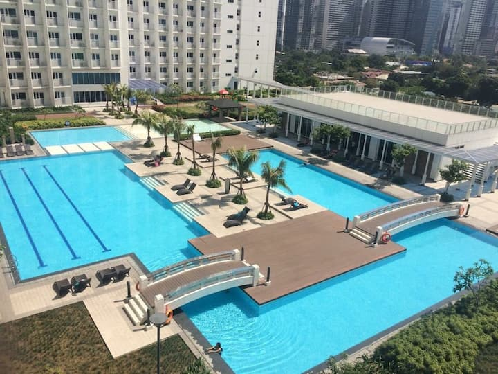 Cozy 1 Bedroom Condo at Makati City