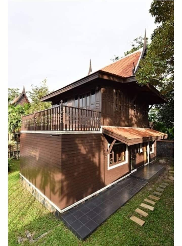 rent2bedrooms,3 air conditioners,4200 baht perday