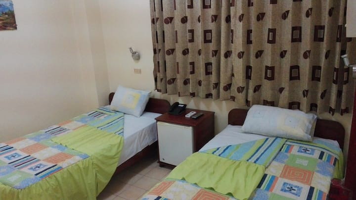 Hab. de hotel - Centro de ciudad - Doble (315)