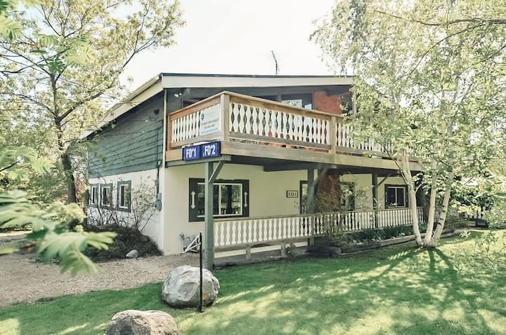 Perfect  Cottage For Families near Ski Hills