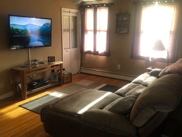 Walking Distance Logan Airport E.Boston Apartment!