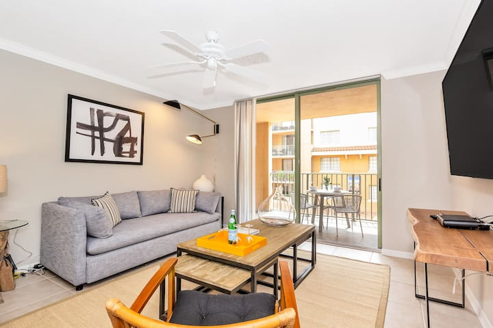 Dharma | Downtown Coral Gables | Luxurious 1B + FREE PARKING