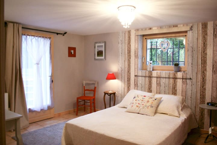 B&B in Voiron countryside