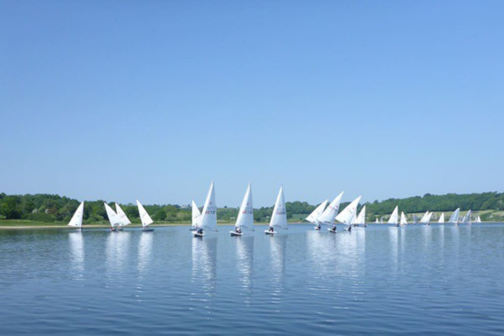 Find Ogston Sailing Club on the West Bank