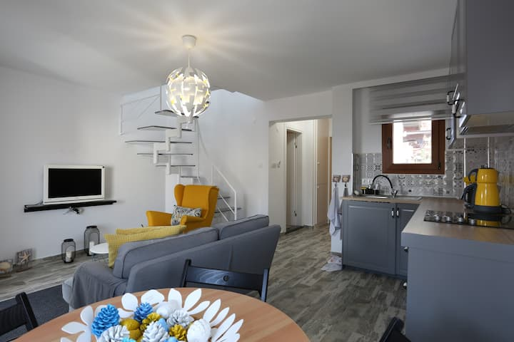 THE BEACH HOUSE BY ALPSUITES