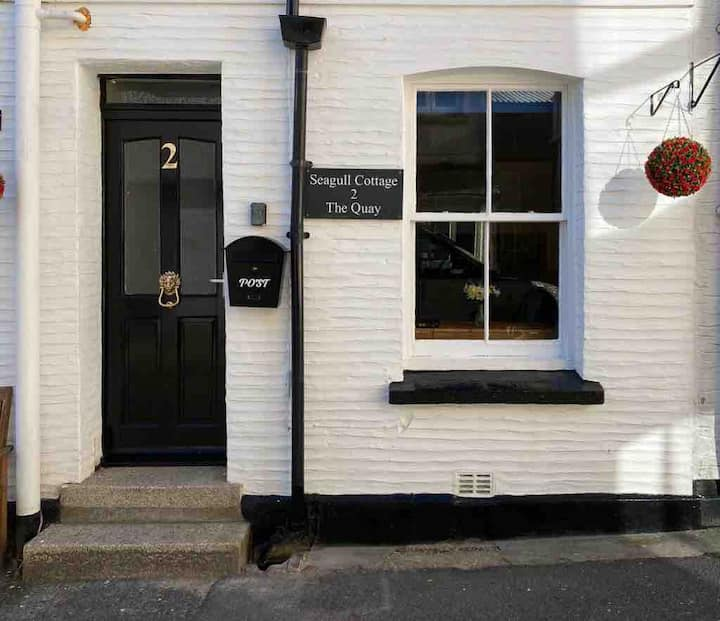 Quaint/Quirky Cottage in the heart of Looe