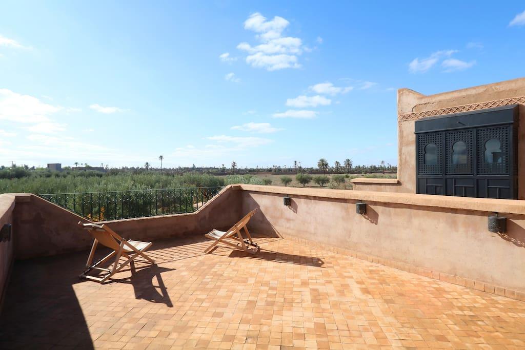 Villa standing palmeraie avec piscine priv e maisons for Piscine privee marrakech