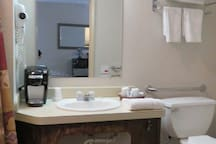 Tug Hill Resort - Wheelchair accessible sink