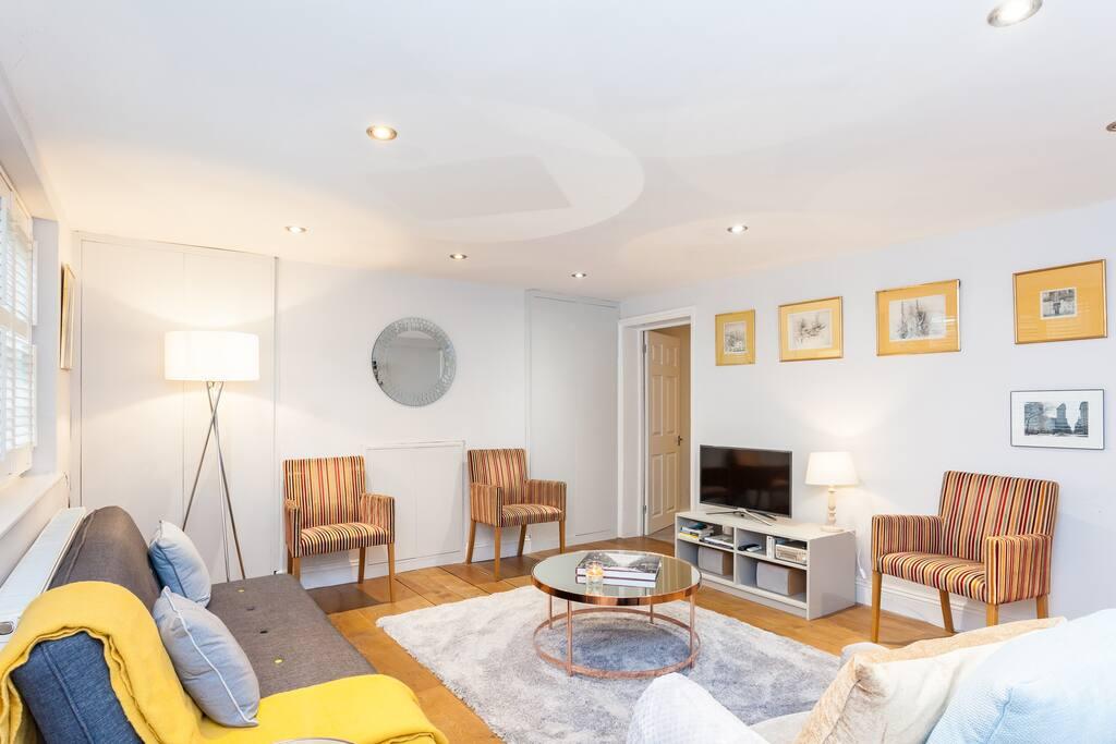 Living room - door into bedroom