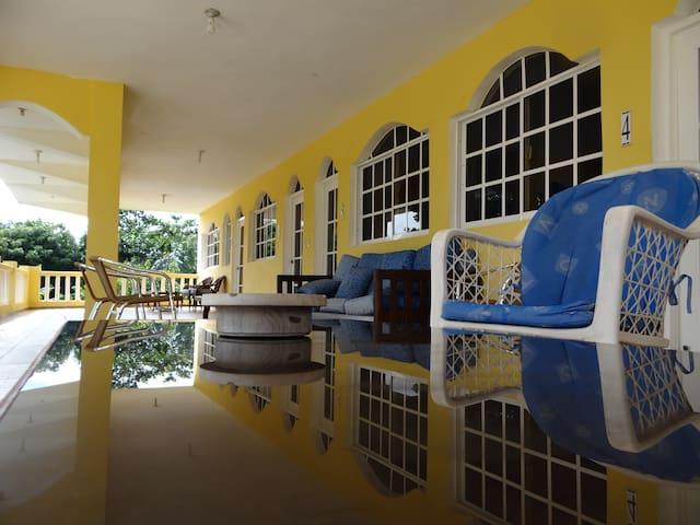 Hotel El Viejo Pirata, Boca de Yuma @elviejopirata