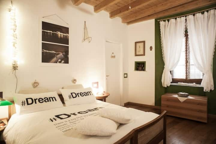 Lake Como hide B&B Contrada Lunga