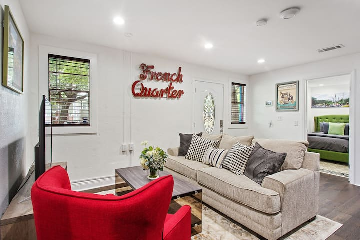 Cozy Gem near the French Quarter w/Patio!