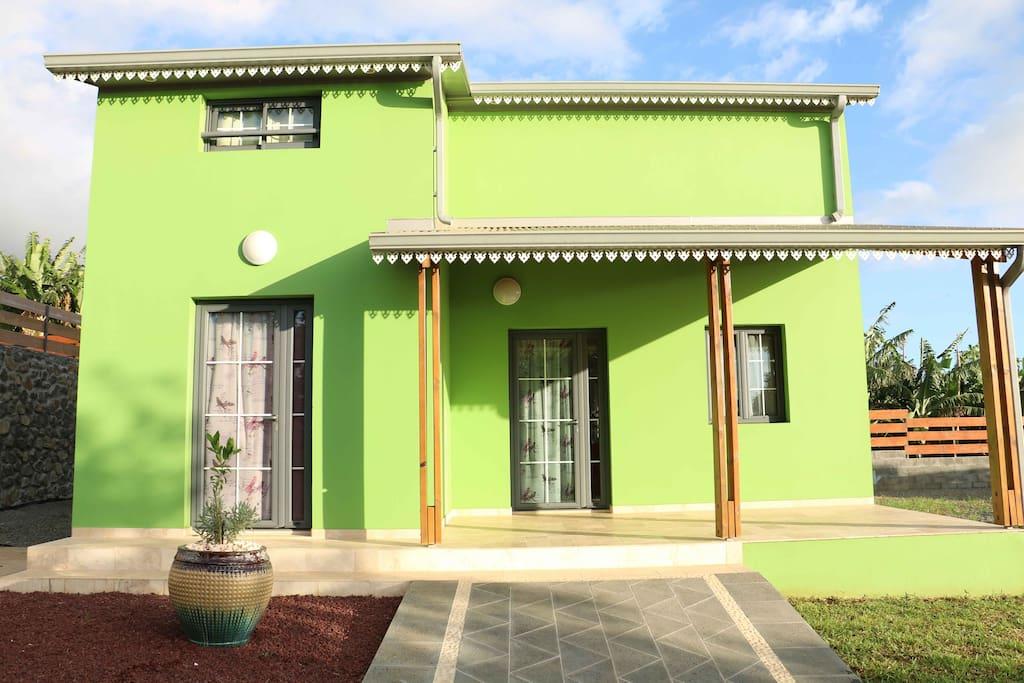 les palmiers du sud villa latania villas for rent in bassin martin saint pierre r union. Black Bedroom Furniture Sets. Home Design Ideas