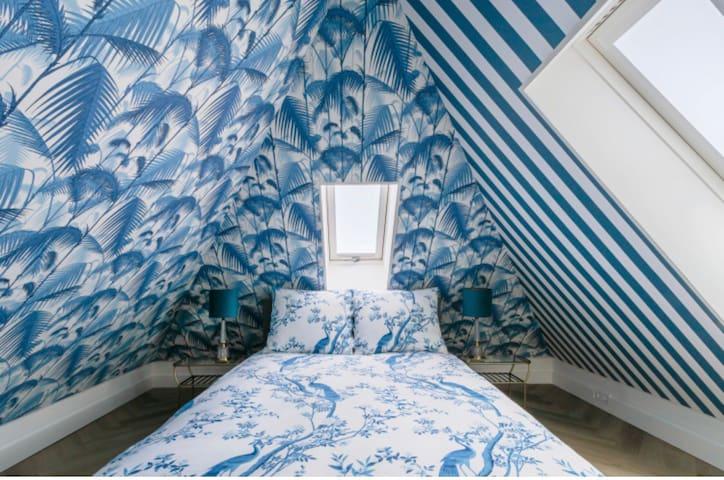 Zolderkamer voorzien van airco