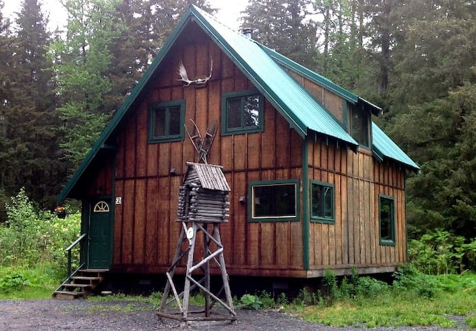 Abode Well Family Cabin 2 Bed Private Bath WIFI