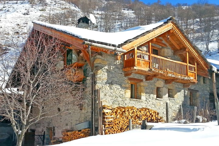 Sublime chalet of character with a cozy atmosphere