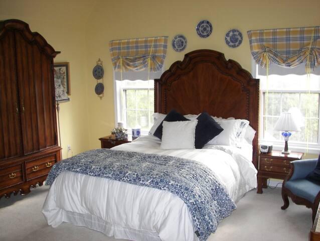 Longacre - Maisonette 2 bedroom Suite