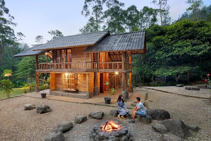 Villa Puspa at Taman Wisata Bougenville