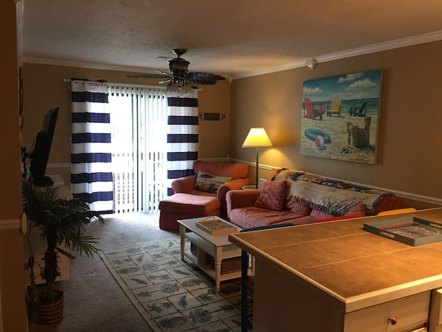 1br Condo in Garden City*sleeps 4/5~1mile to Beach