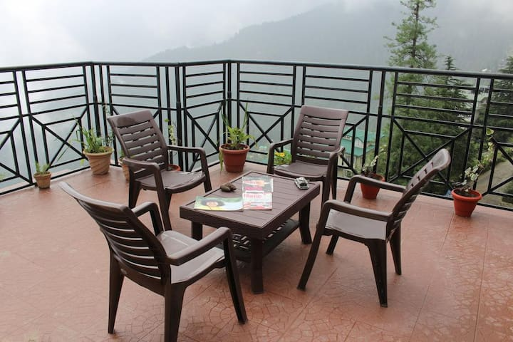 Super Deluxe Room with Bed and Breakfast @Shimla