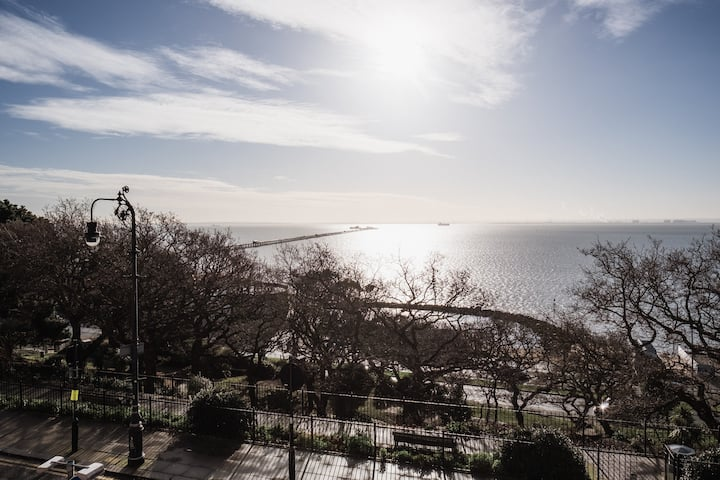 Stunning Fully self contained Sea View Flat