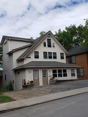 Luxury ADK Apartment, Saranac Lake NY