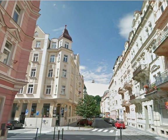 Prostorný byt v centru Karlových Varů
