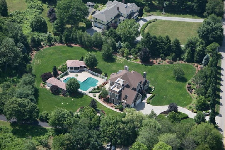 Stonington Private Estate with Heated Pool