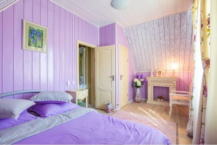 Гостевой дом Цветочная 24 -номер Виола.