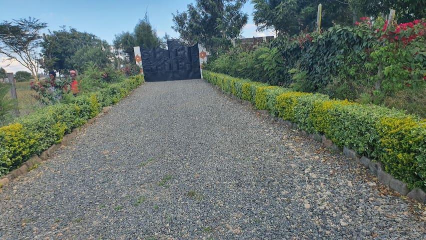 Mubooni gardens cottage at Kiserian breeze .