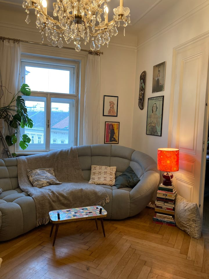 Charming Viennese Flat