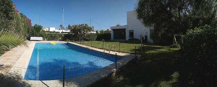 Chalet con piscina a 150 m de la playa
