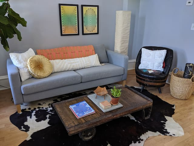 Unique artist-designed space and a vintage vibe!