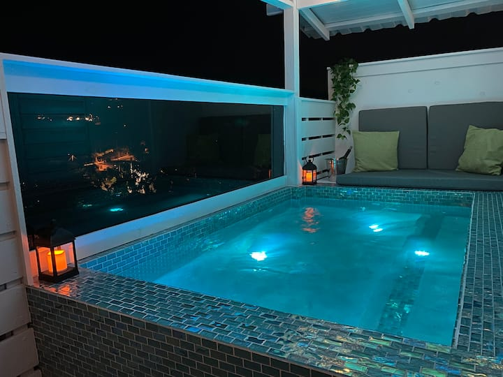 Private Heated Plunge Pool 😍 Romantic  Chalet