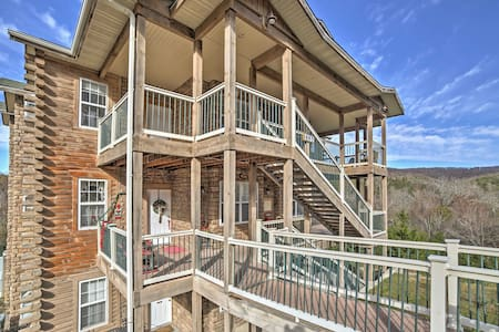 2BR Branson Condo w/ Indoor Heated Pool! - Branson