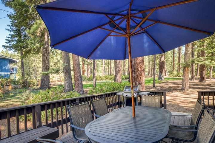 Rustic cabin w/ wood stove, flatscreen TV, & forest views - walk to golf course!